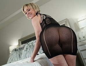 WillTileXXX/Blondes and Butts