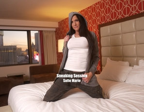 WillTileXXX/Sneaking Session Sofie Marie